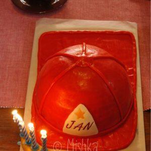 Dort - Hasičská helma i se svíčkami