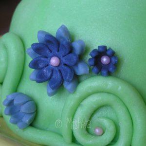 Dort - detail krucánků a květin