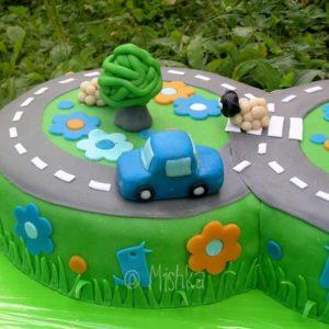 Detail autíčka na dortu