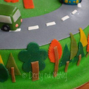 Detail stromů na boku dortu