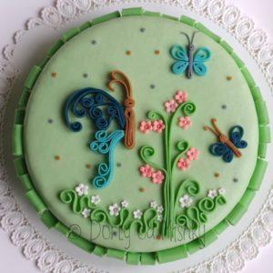 Quillingové zdobení na dortu