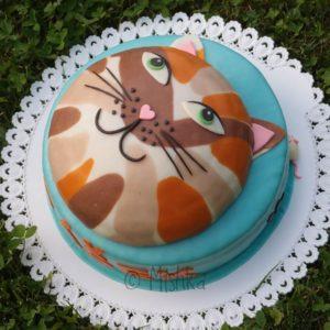 Dvoupatrový dort s kočkou