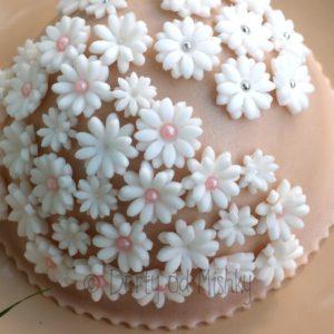 Zkušební květinový dort
