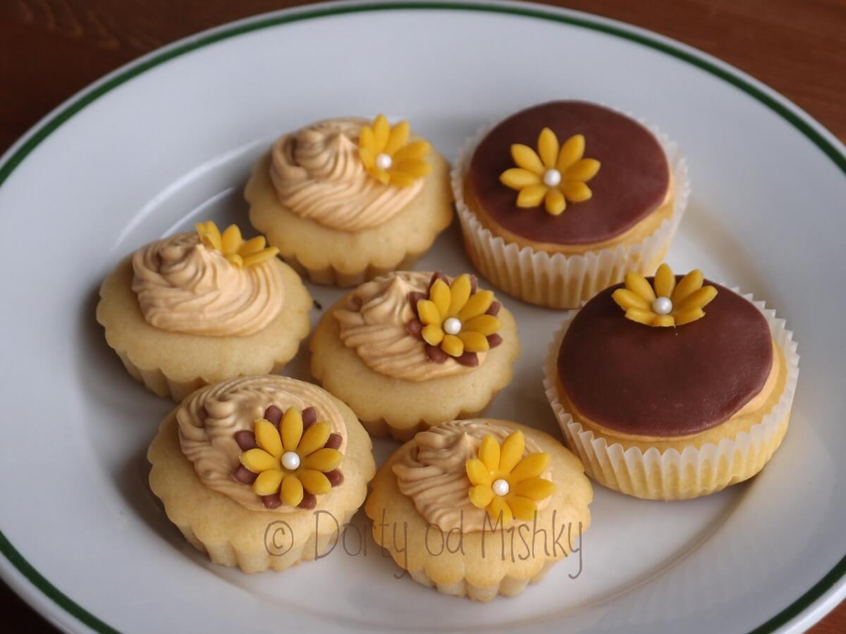 Zkouška svatebních cupcakes